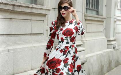 Brunette floral dress
