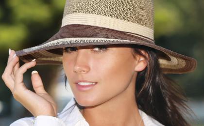 woman summer hat